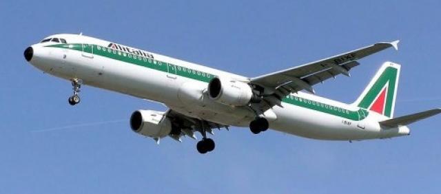 Alitalia aereo in volo