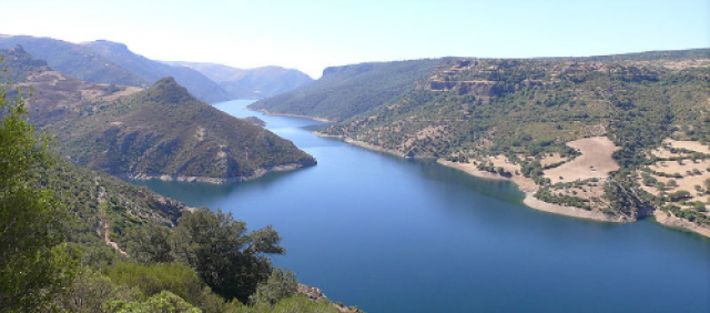 Lago basso Flumendosa