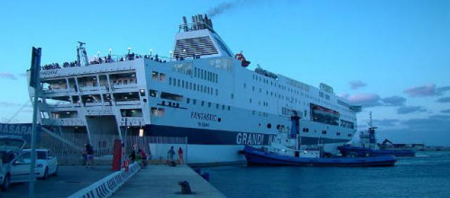 traghetto GNV Fantastic a Porto Torres