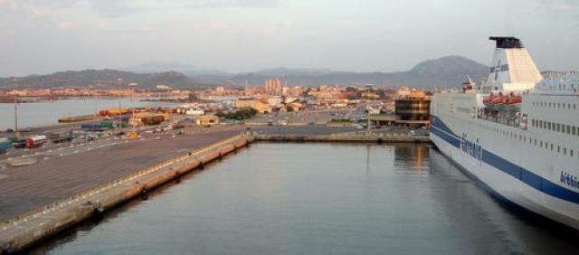 Olbia - Traghetto al porto
