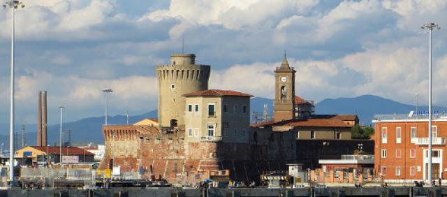 Porto di Livorno - Molo Mediceo e Fortezza Vecchia