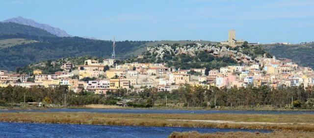 Vista del borgo di Posada