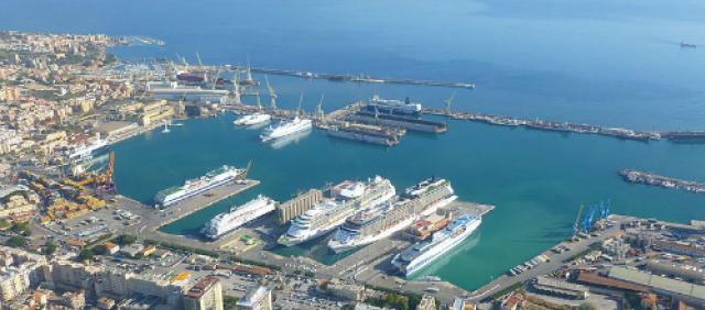 Veduta del porto di Palermo