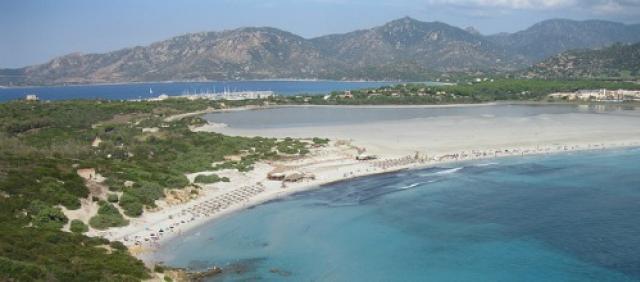 Spiaggia di Porto Giunco e stagno di Notteri