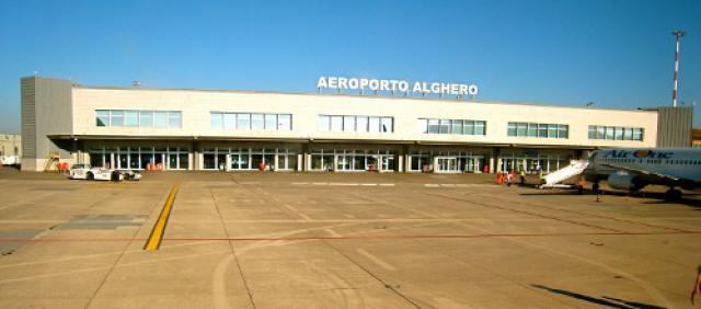 Autobus Aeroporto di Alghero - Vista sull'aeroporto