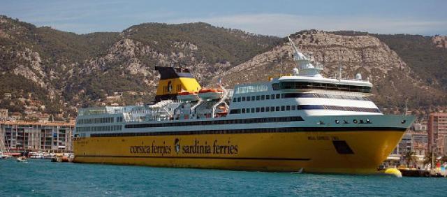 Corsica Ferries al porto di Tolone