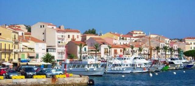 La Maddalena - Porto e vista sulla città