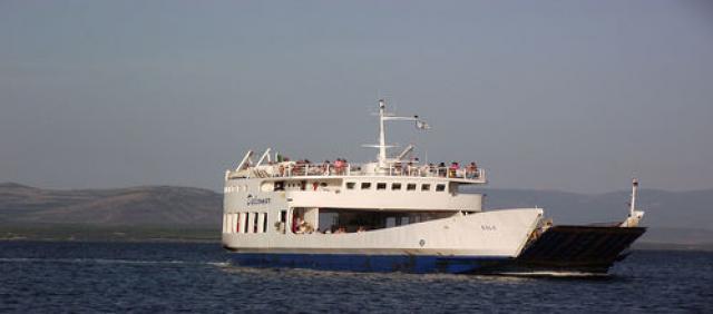 Traghetto Carloforte Delcomar