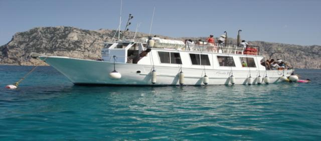 Tavolara - traghetto in arrivo