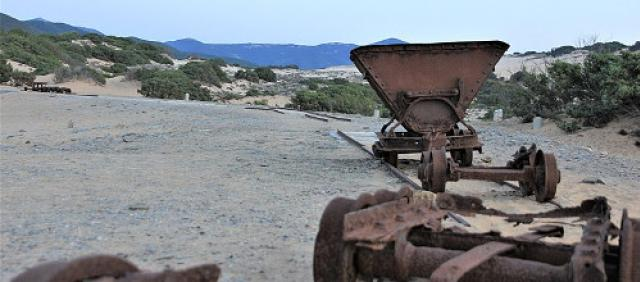 Antichi vagoncini usati per il trasporto dei materiali nella miniera di Naracauli - Arbus
