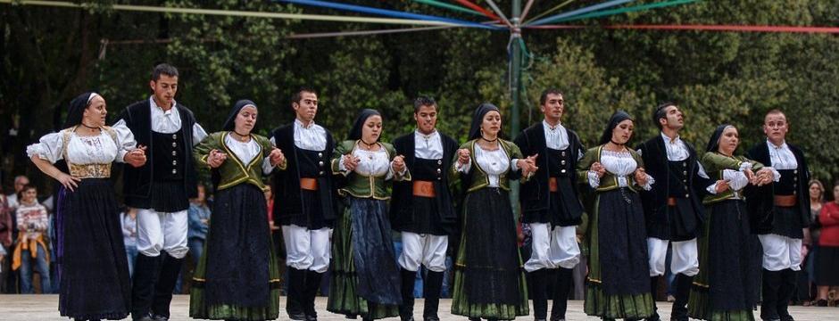 Ballo del gruppo musicale di Perdasdefogu