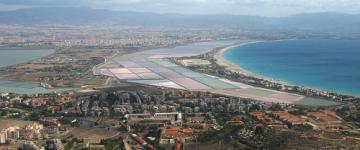 IMG Collegamenti in aereo per la Sardegna - Aeroporti e rotte