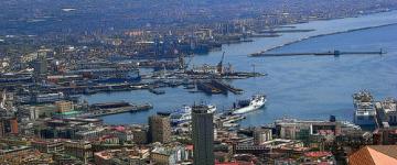 IMG Porto di Napoli – I moli e la rotta per la Sardegna